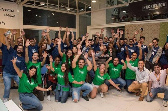 Equipe da Sicoob em um Hackathon no Espaço Eureka (Comnidade Colmeia), do Granja Marileusa.
