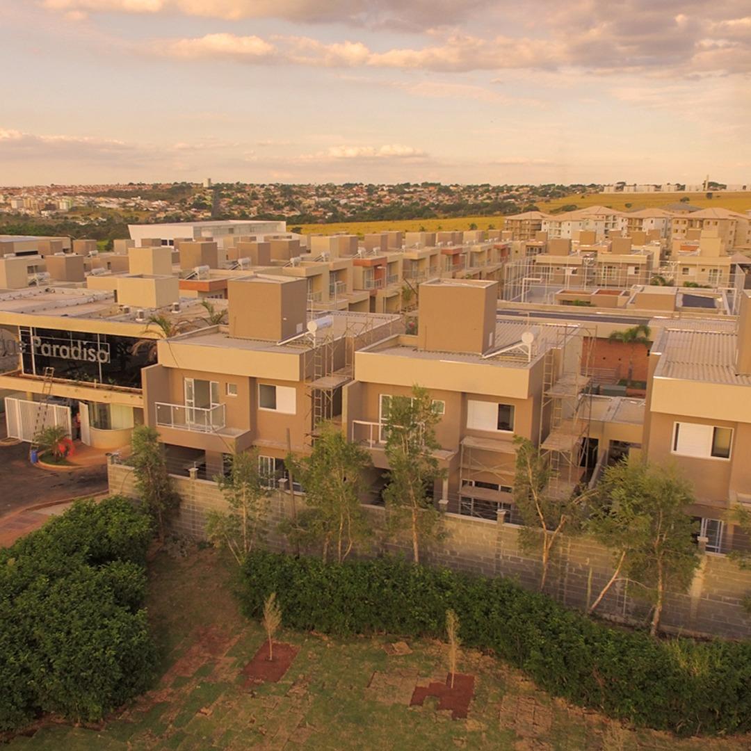imagem com casas em um bairro planejado que oferece proximidade com a natureza